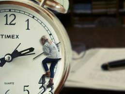 Tips For Managing Your Time When Working Between Clients